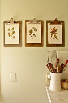 """Unique clipboard """"frames"""" in a traditional kitchen by Shannon Malone Traditional Frames, Traditional Kitchen, Traditional Design, Kitchen Art, Kitchen Decor, Kitchen Walls, Kitchen Photos, Kitchen Ideas, Kitchen Cabinets"""