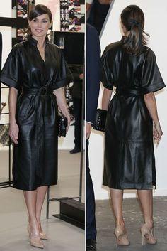 women Genuine Lambskin Leather Celebrity vintage Dress Plus Size Custom Made by Zaaroon Classy Outfits, Chic Outfits, Fashion Outfits, Womens Fashion, Royal Fashion, Look Fashion, Black Leather Dresses, Faux Leather Dress, Dress Plus Size