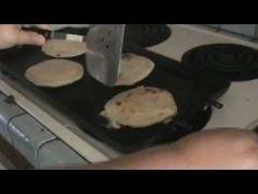 como hacer las pupusas de frijoles y queso