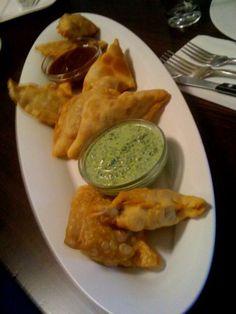 Samosas with Mint and Taramind Chutney Recipe on Foodgeeks