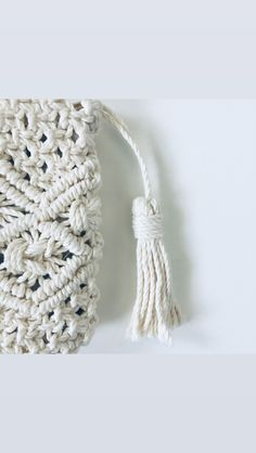 This sweet handbag perfect for every days or store your make-up. It cam be a sweet gift for your friend or your mom. Cosmetic Kit, Macrame, Crochet Hats, Make Up, Cosmetics, Boho, Trending Outfits, Unique Jewelry, Handmade Gifts
