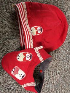 Dies eine ein Kombiset aus Mütze und Halstuch für ein Kleinkind. Die Schnittmuster sind wiederum aus dem Internet und sind einfach zu nähen :)