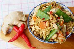 Rezept: Asiatisches Hähnchen mit Zuckerschoten und Erdnüssen #Hähnchenbrustfilet #asiatisch #essen #rezept #hähnchen #zuckerschoten