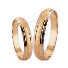 Vésett arany karikagyűrű, selyemfényű középső véséssel