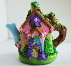 Tiny Country Cottage Tea Pot Polymer Clay Fairy House via Etsy Polymer Clay Fairy, Handmade Polymer Clay, Diy Clay, Clay Crafts, Clay Fairy House, Fairy Houses, Clay Fairies, Polymer Project, Clay Design
