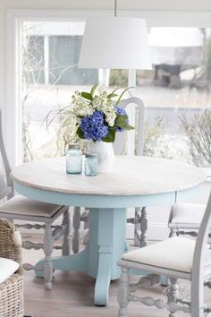 I love everything about the way she decorated this home, paint colors refinished furniture. It's all lovely!
