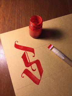 Caligraphy... #work #artlovers #artwork #artlife #art #typo #trend #brown #typegang #typografi #typography #caligrapher #love #calligritype #kaligrafi #artvideo #brush #güzelyazan #parallelpen #turkey #type #sanat #konya #goodtype #s #caligraphy