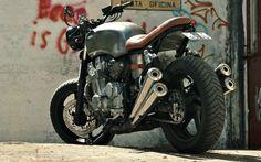 Honda CB750 SF Brat Style by FeitoNaGaragem   www.caferacerpasion.com