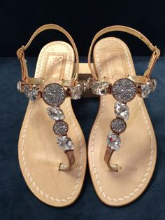 Via Capri, 34 is a luxury line of custom handmade sandals from Capri. Via Capri, 34 is located in Palm Beach on Worth Avenue. Shoes 2014, Trendy Fashion, Womens Fashion, 2014 Trends, Shoe Closet, Italian Leather, Leather Sandals, Me Too Shoes, Capri