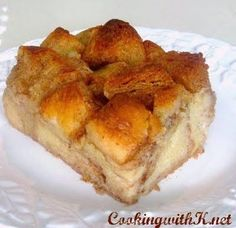 Very Simplistic Bread Pudding very easy and very good oh so good!<br> My Mother always cooked exceptionally great food with few ingredients, and her Very Simplistic Bread Pudding was no exception. Köstliche Desserts, Delicious Desserts, Dessert Recipes, Yummy Food, Pudding Desserts, Tasty, Old Fashioned Bread Pudding, Muffins, Granny's Recipe