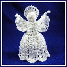 Little Bobbles Angel - A free Crochet pattern from jpfun.com.