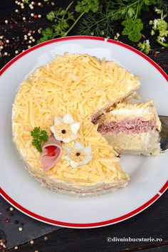 SALATE FESTIVE PENTRU SARBATORI | Diva in bucatarie Mimosa Salad, Amazing Food Decoration, Good Food, Yummy Food, Romanian Food, Breakfast On The Go, Savoury Cake, Food Art, Food To Make