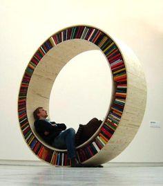 This would make for a cool office chair! Ce pourrait être une chaise de bureau très cool!