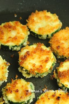 Crispy Zucchini Bites with Aioli Dip are so crunchy good! Crusted in panko breadcrumbs and fried until golden and crispy, you will love these tasty bites. Sausage Appetizers, Great Appetizers, Appetizer Recipes, Snack Recipes, Cooking Recipes, Veggie Dishes, Vegetable Recipes, Zucchini Bites, Zucchini Chips