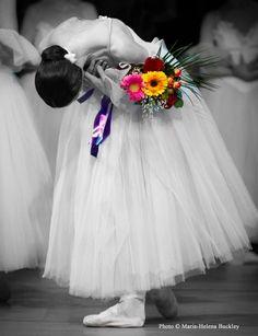 B w/flowers