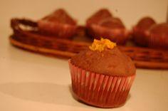 Bakaliowe muffinki z pomarańczowym lukrem i skórką pomarańcz