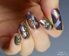 Colour-shifty action with colour blocks and studs by simplynailogical