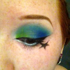 Sugarpill Heartbreaker palette look, minus 2AM. Idk why I decided weird bottom eyeliner and a random star were necessary, but I did it any way lol #sugarpill #sugarpillcosmetics #heartbreakerpalette #mochi #acidberry #velocity #tako #toofaced #chocolatebarpalette #whitechocolate #wingedliner #star #brightmakeup #eotd #motd #blue #green #freckles #browneyes #nofilter #video
