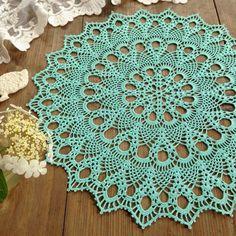 Crochet Table Topper, Crochet Table Runner Pattern, Crochet Doily Patterns, Crochet Tablecloth, Crochet Doilies, Sewing Patterns, Crochet Decoration, Pineapple Pattern, Lace Doilies