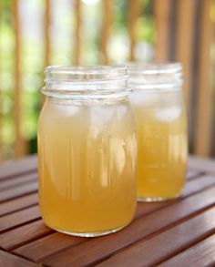 Earl Grey Lemonade @Binet 's recipe for Arnold Palmer +...1.5kg water, 480g lemon juice, 360g sugar, 12-14 tsp earl grey. Bring half the water & all the sugar to a simmer until sugar is dissolved.
