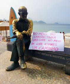 [ protests - carlos drummond statue at copacabana beach ] .:rio de janeiro, rj (jun 2013)]