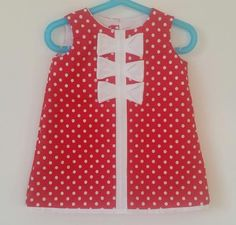 Check out this item in my Etsy shop https://www.etsy.com/fr/listing/270636668/robe-de-coton-rouge-a-pois-blancs-fait-a
