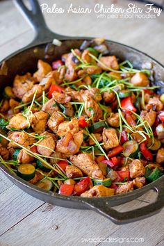 Paleo asian chicken stir fry- takes under 15 minutes and packed with protien and vegetables!