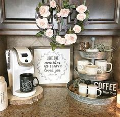 Coffee Bar Ideas - Looking for some coffee bar ideas? Here you'll find home coffee bar, DIY coffee bar, and kitchen coffee station. Coffee Area, Coffee Nook, Coffee Bar Home, Home Coffee Stations, Coffee Wine, Diy Coffee Table, Coffee Station Kitchen, Coffe Bar, Coffee Bar Ideas