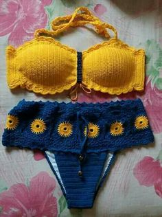 Beautiful bikini short, if you liked it, we will … – Beach & Woman Crochet Jumper, Crochet Bra, Hippie Crochet, Crochet Bikini Pattern, Crochet Bikini Top, Crochet Clothes, Crochet Patterns, Crochet Bathing Suits, Bathing Suit Dress