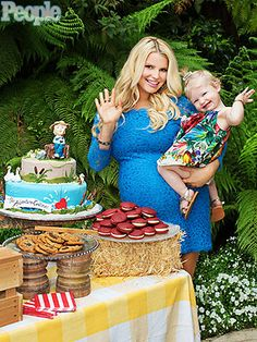 Don't even care that it's JSimpson -- a Tom Sawyer-themed baby shower for a boy is the cutest thing of ever.