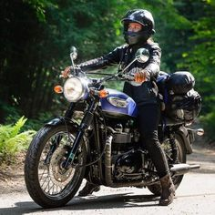 Motorcycles I've Loved author recently took a mile trip cross country on her Triumph Bonneville by She certainly has us pumped to do our own tour, congrats on a. Triumph Bonneville Custom, Triumph Motorbikes, Triumph Scrambler, Triumph Motorcycles, Vintage Motorcycles, Motorcycle Camping, Motorcycle Outfit, Camping Gear, Motorcycle Girls