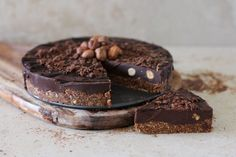 Raw chocolate hazelnut cake