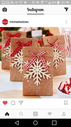 Easy DIY Holiday Gift Bags
