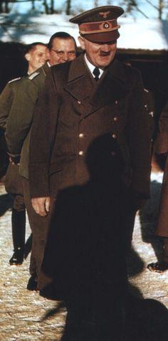 Adolf Hitler mit Julius Schaub