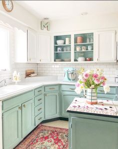 Chalk Painted kitchen cabinets two years later. - - My honest opinion of Annie Sloan Chalk Painted cabinets two years later. Mint Kitchen, Kitchen Redo, Home Decor Kitchen, Kitchen Interior, New Kitchen, Home Kitchens, Kitchen Ideas, Kitchen Cupboard Inspiration, Kitchen Paint Design