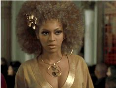 Beyoncé As Foxxy Cleopatra Is The Most Oscar-Worthy Performance Of All Time Beyonce Gif, Beyonce Lyrics, Beyonce Memes, Celebrity Couples, Celebrity News, Hair Art, My Hair, Lose My Breath, Foxy Brown