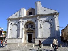 The Malatesta Temple, Tempio Malatestiano, is Rimini's best monument and an important example of Italian Renaissance. Italian Renaissance, Planet Earth, Washington Dc, Barcelona Cathedral, To Go, Mansions, Architecture, House Styles, Building