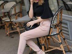 Crop top, pantalon cigarette & nœud pap' • Hellocoton.fr Pantalon Cigarette, Cropped Top, Crop Tops, Pants, Women, Style, Fashion, High Waist Pants, Outfit