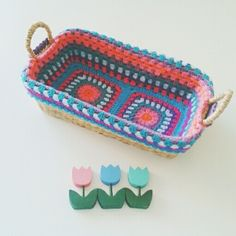 """a basket with a crochet coatis a happy basket"" Inspiracion ༺✿Teresa Restegui http://www.pinterest.com/teretegui/✿༻"