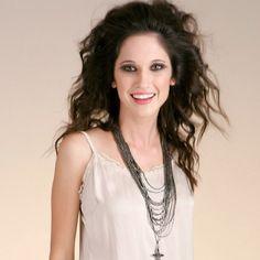 10. Od najmłodszych lat była szkolona w aktorstwie, tańcu i grze na gitarze. Wzięła udział w trasie Patito Feo Il Mondo di Patty we Włoszech