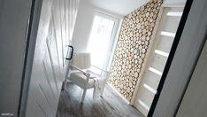 Plastry drewna na ścianie - jak to zrobić samodzielnie? Wooden Wall Design, Wooden Walls, Villa, Man Cave, Plaster, Curtains, Projects, Diy, Houses