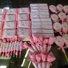 Hacer golosinas personalizadas - Imagui Baby Shawer, Pig Party, Candy Bar Wrappers, Candy Boxes, 1st Birthday Girls, Baby Decor, Projects To Try, Kitty, Chocolates