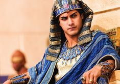 Exclusive interview with 'Tut' star Avan Jogia on playing Egyptian Pharaoh King Tutankhamun, research, preparing physically, costumes, and Sir Ben Kingsley. Egyptian Makeup, Egyptian Fashion, Egyptian Costume, Avan Jogia Tut, Ben Kingsley, Spike Tv, Blu Ray, Hollywood Fashion, Film Fashion