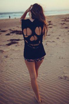 c8de3fea267 I need to make something like this!!! Girl Beach