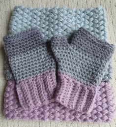 3 color Fingerless mittens Materials: Any medium worsted weight yarn. I used Loops & Threads Sugarspun yarn (this is a size 3 yarn, I used 2 strands together) in 3 shades. Size J hook Blunt nee… Crochet Fingerless Gloves Free Pattern, Crochet Mittens, Mittens Pattern, Fingerless Mittens, Free Crochet, Knit Crochet, Crochet Hats, Easy Crochet, Crochet Granny