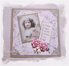 Et bursdagskort med englebilde. Kortet er i kraftkartong og et Mayapapir, pyntet med roser, perler, lilje, charms og hjørnestempeltrykk. ...