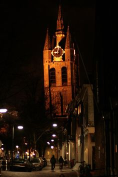 Delft--church tower is just a leeetle crooked