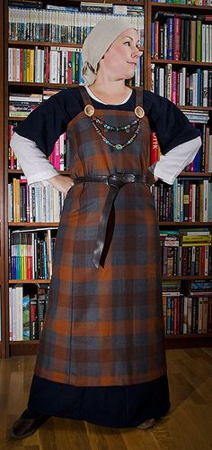 Example of Apron dress made out of plaid -Viking dress by skuggsida on deviantART