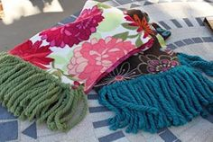 Create this No-Sew Fleecy Scarf with only fleece, yarn and scissors!