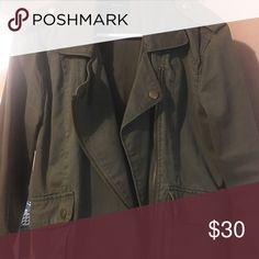Army style utility jacket Army green utility jacket Forever 21 Jackets & Coats Utility Jackets